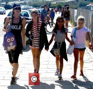Denise Richards - Celebrities attend Malibu Kiwanis Chili Cook-off in Malibu - Malibu, California, United States - Saturday 5th September...