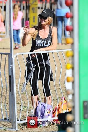 Denise Richards - Celebrities at Malibu Kiwanis Chili Cook-off in Malibu - Brentwood, California, United States - Saturday 5th September...