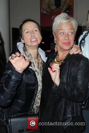 Carol McGiffin , Denise Welch - Carol McGiffin spends the evening in Blackpool watching Cats The Musical with Loose Women...