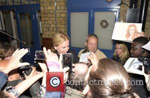 Nicole Kidman - Nicole Kidman signs autographs after her appearance in 'Photograph 51' at Noel Coward Theatre - London, United...