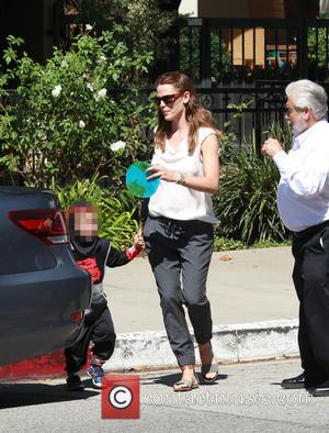 Jennifer Garner , Samuel Garner Affleck - Jennifer Garner returns to her car after taking her children to the Church...