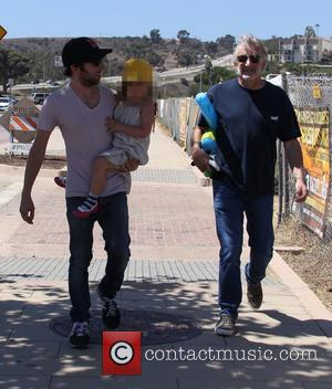 Simon Helberg, Adeline Helberg , Sandy Helberg - 'Big Bang Theory' star Simon Helberg carries his daughter in his arms...