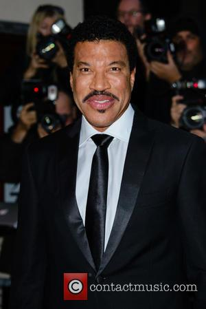 I'd Love To Do A Hello Duet With Adele, Says Lionel Richie