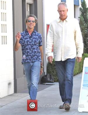 Brian Grazer - Film producer Brian Grazer goes shopping in Beverly Hills - Los Angeles, California, United States - Wednesday...