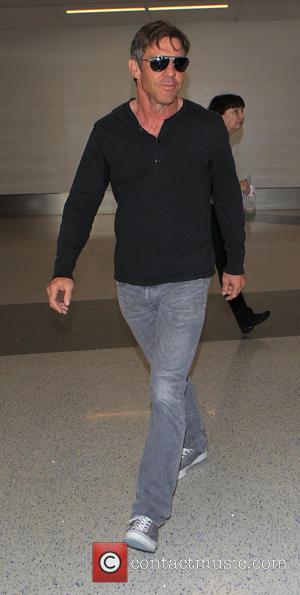 Dennis Quaid - Dennis Quaid arrives at Los Angeles International Airport (LAX) - Los Angeles, California, United States - Wednesday...