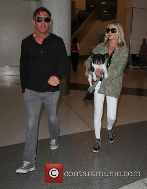 Dennis Quaid , Kimberly Quaid - Dennis Quaid arrives at Los Angeles International Airport (LAX) - Los Angeles, California, United...