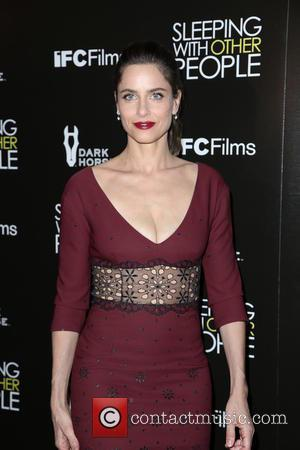 Amanda Peet - Premiere Of IFC Films' 'Sleeping With Other People' - Los Angeles, California, United States - Wednesday 9th...
