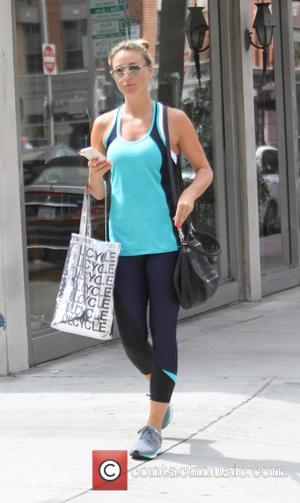 Alex Gerrard - Alex Gerrard wearing coordinated sportswear or turquoise and dark blue, goes shopping in Beverly Hills - Los...