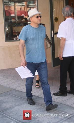Evan Handler - Californication actor Evan Handler shopping in Beverly Hills - Los Angeles, California, United States - Thursday 10th...
