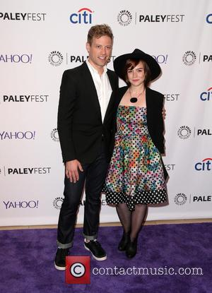 Barrett Foa and Renée Felice Smith