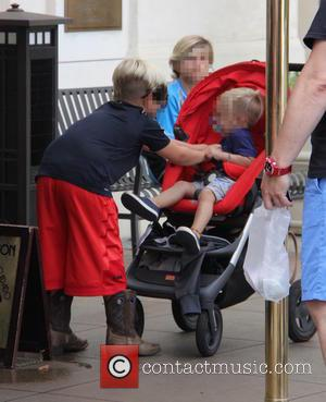 Gwen Stefani, Kingston Rossdale, Zuma Nesta Rock Rossdale , Apollo Bowie Flynn Rossdale - Gwen Stefani takes her sons shopping...