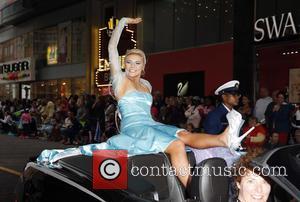 Miss Alaska Zoey Grenier