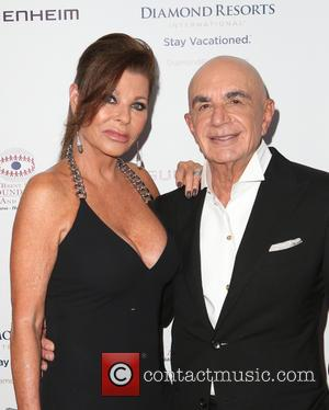 Robert Shapiro , Linell Shapiro - The Brent Shapiro Foundation's 10th Annual Summer Spectacular at Private Residence - Beverly Hills,...