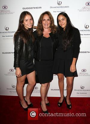 Catherine Bach, Sophia Isabella Lopez , Laura Esmeralda Lopez - The Brent Shapiro Foundation's 10th Annual Summer Spectacular held at...