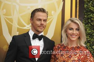 Julianne Hough , Derek Hough - 2015 Creative Arts Emmy Awards at Microsoft Theater - Arrivals at Emmy Awards -...
