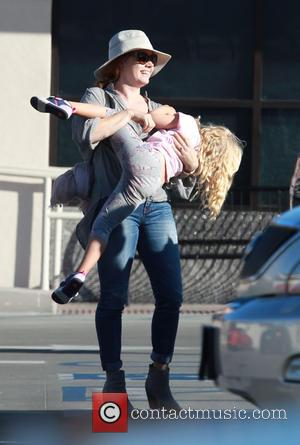 Amy Adams , Aviana Olea Le Gallo - Amy Adams has her hands full carrying daughter Aviana and giving her...