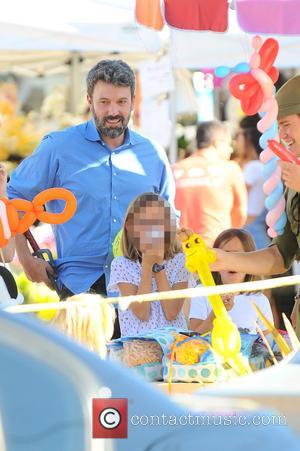 Ben Affleck , Violet Affleck - Ben Affleck and Jennifer Garner take their three children to the Farmer's Market in...