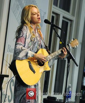 Jewel Kilcher - Jewel promoting her new book 'Never Broken: Songs Are Only Half the Story' at Barnes and Noble...