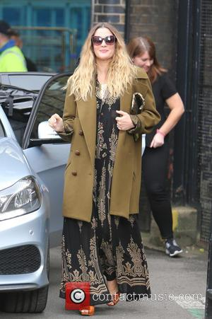 Drew Barrymore - Drew Barrymore outside ITV Studios - London, United Kingdom - Tuesday 15th September 2015