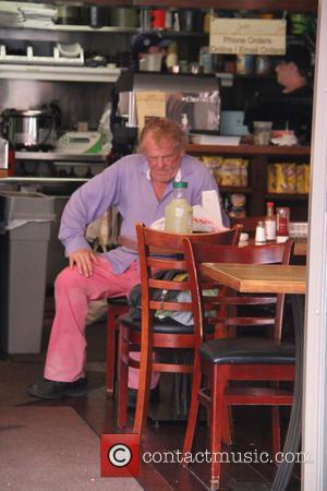 Nick Nolte - Nick Nolte has lunch in Beverly Hills on his own at beverly hills - Los Angeles, California,...