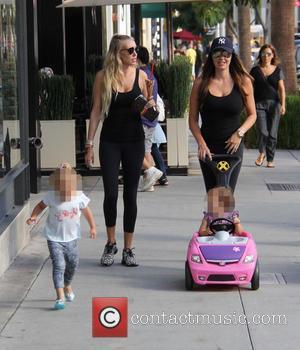 Tamara Ecclestone, Petra Ecclestone, Petra Stunt, Lavinia Stunt , Sophia Eccelstone-Rutland - Tamara Ecclestone with her sister Petra go out...