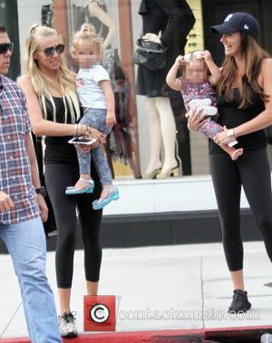 Tamara Ecclestone, Petra Stunt, Sophia Eccelstone-Rutland , Lavinia Stunt - Tamara Ecclestone and Petra Stunt take their daughters shopping in...