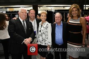 Dennis Basso, Michael Cominotto, Leba Sedaka, Neil Sedaka and Hoda Kotb