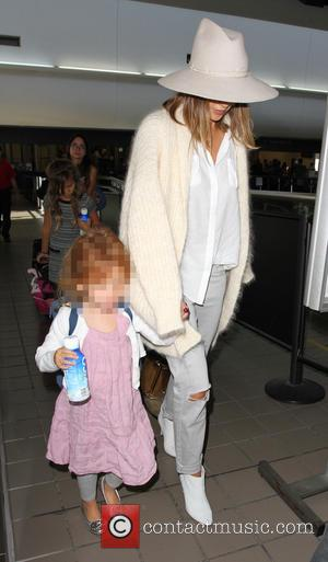 Jessica Alba , Haven Garner Warren - Jessica Alba arrives at Los Angeles International Airport (LAX) - Los Angeles, California,...