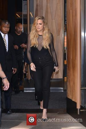 Khloe Kardashian - Khloe and Kourtney Kardashian leaving their hotel in New York City - Manhattan, New York, United States...