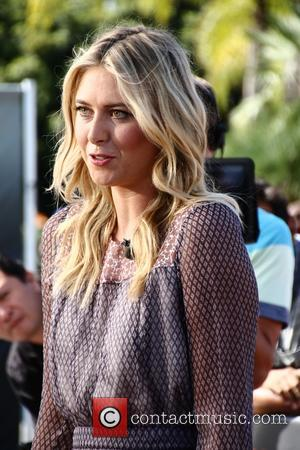 Maria Sharapova - Maria Sharapova visits the set of Extra! at Universal Studios at Universal Studios Hollywood - Los Angeles,...