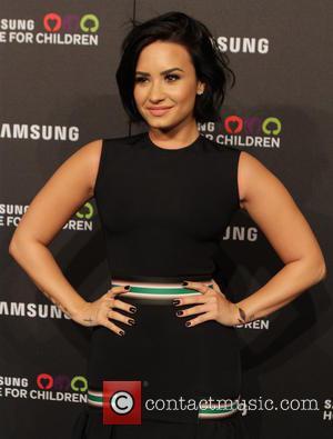 Demi Lovato - Samsung Hope For Children Gala held at the Hammerstein Ballroom - Arrivals at Hammerstein Ballroom - New...