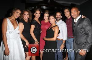 Dania Ramirez, Diana Maria Riva, Alex Meneses, Jadyn Douglas, Eva Longoria, Jose Moreno Brooks , Amaury Nolasco - Padres Contra...