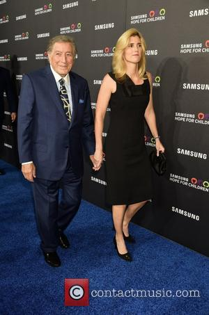 Tony Bennett , Susan DiBenedetto - Samsung Hope For Children Gala 2015 - Red Carpet Arrivals at Hammerstein Ballroom -...