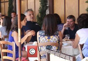 Andrea Bocelli , Veronica Berti - Tenor Andrea Bocelli and his wife Veronica Berti take their daughter for lunch with...