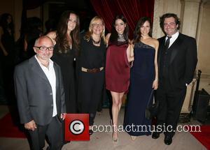 Richard Howland, Nicole Sullivan, Emmanuelle Vaugier, Anna Silk and Seth Cooperman