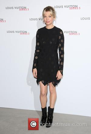 Michelle Williams - London Fashion Week Spring/Summer 2016 - Louis Vuitton Series 3 - Arrivals at London Fashion Week -...
