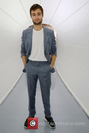 Douglas Booth - London Fashion Week Spring/Summer 2016 - Louis Vuitton Series 3 - Inside at London Fashion Week -...