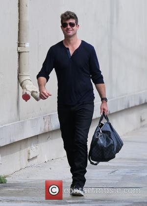 Robin Thicke - Robin Thicke at ABC studios for Jimmy Kimmel Live! at JImmy Kimmel studio - Los Angeles, California,...