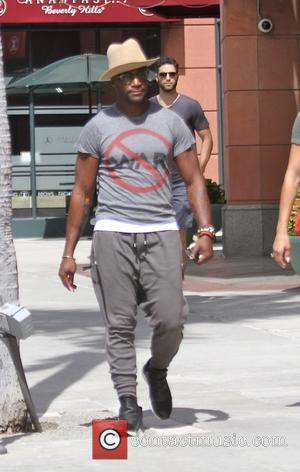 Taye Diggs , Amanza Smith Brown - Taye Diggs takes his girlfriend shopping in Beverly Hills - Los Angeles, California,...