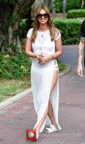 Ferne Mccann - TOWIE stars head out from their hotel for fiming in Marbella for
