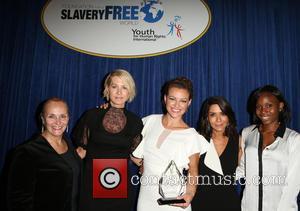 Mary Shuttleworth, Jenna Elfman, Kim Biddle, Marisol Nichols and Guest