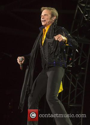 Rocker David Lee Roth Is Battling An Obsessed Cell Phone Stalker