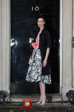 Erin O'Connor - LFW s/s 2016: Downing Street Reception held at 10 Downing Street - Arrivals. - London, United Kingdom...