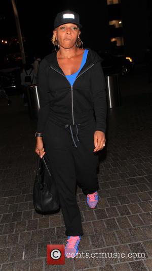 Mary J. Blige - Mary J. Blige departs from Los Angeles International Airport (LAX) - Los Angeles, California, United States...