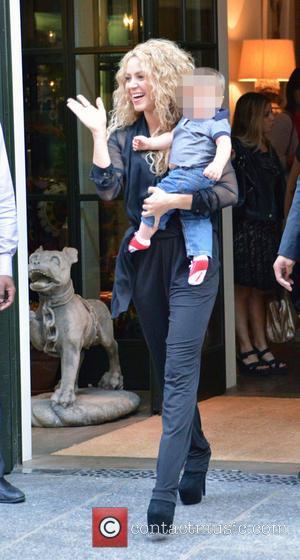 Shakira , Sasha Piqué Mebarak - Shakira leaving her hotel with her son Sasha - New York City, New York,...