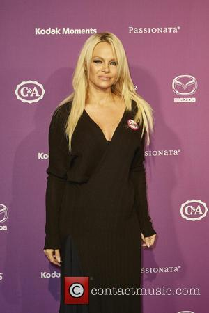 Pamela Anderson 'Stormed Off British Tv Show After Old School Photo Shown'