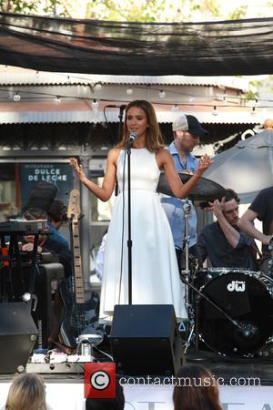 Jessica Alba - Jessica Alba promotes her Honest Beauty line at The Grove in Hollywood - Los Angeles, California, United...