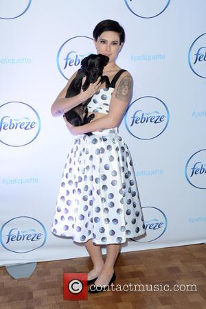 Rumer Willis - Febreze Partners with Etiquette Expert Thomas Farley to Teach Proper