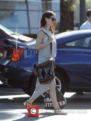 Rachel Bilson - Rachel Bilson goes grocery shopping at Ralphs in Studio City - Los Angeles, California, United States -...