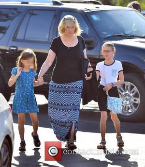 Christine Anne Boldt, Violet Affleck , Seraphina Rose Affleck - Ben Affleck and his mother, Christine, take his two girls,...